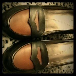 Black /brown leather pumps Tahari 8.5 NWOT